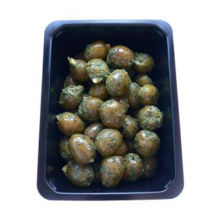 Oliven grün mit Mandelfüllung